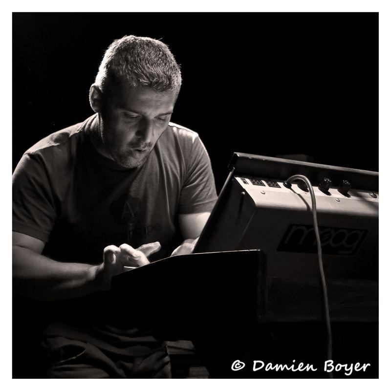 No Drum No Moog - Metz - 2011-1-6